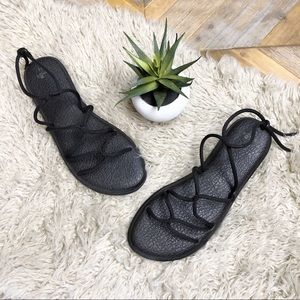•SANUK• Black Yoga Sunrise Strappy Sandal